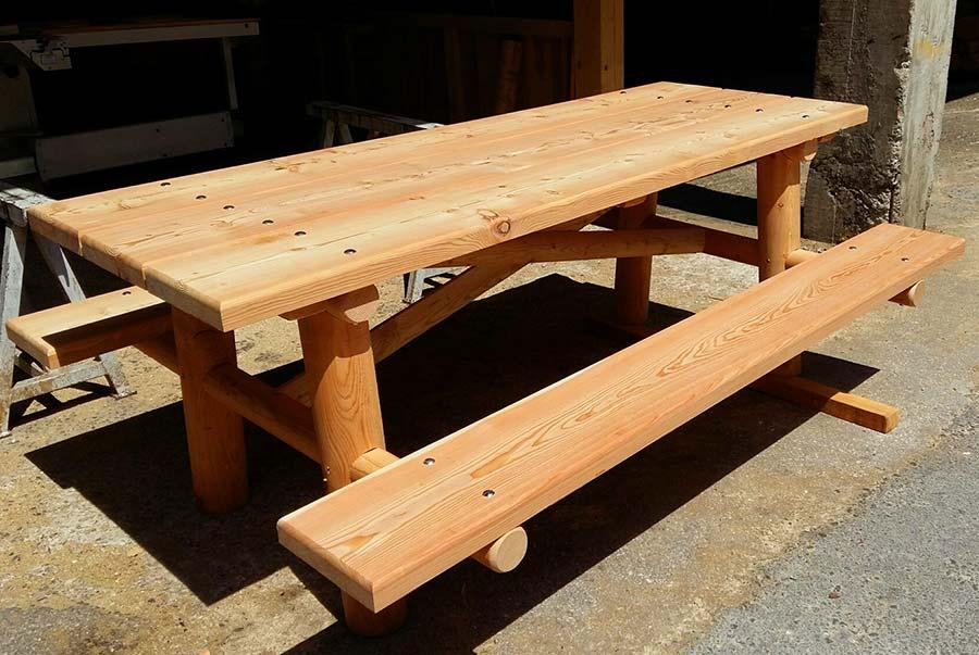 Vendita arredi per giardini in legno panche tavoli e fioriere for Arredo giardino vendita on line